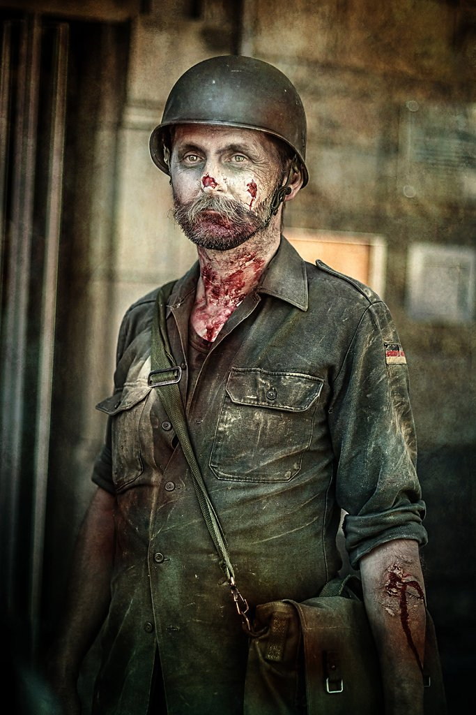 "<a href=""http://videos.michaelmuecke.com/Making_Of_IMG_3217_Zombie-Soldat.mp4"" target=""_blank"">Zum Making-Of-Video</a>"